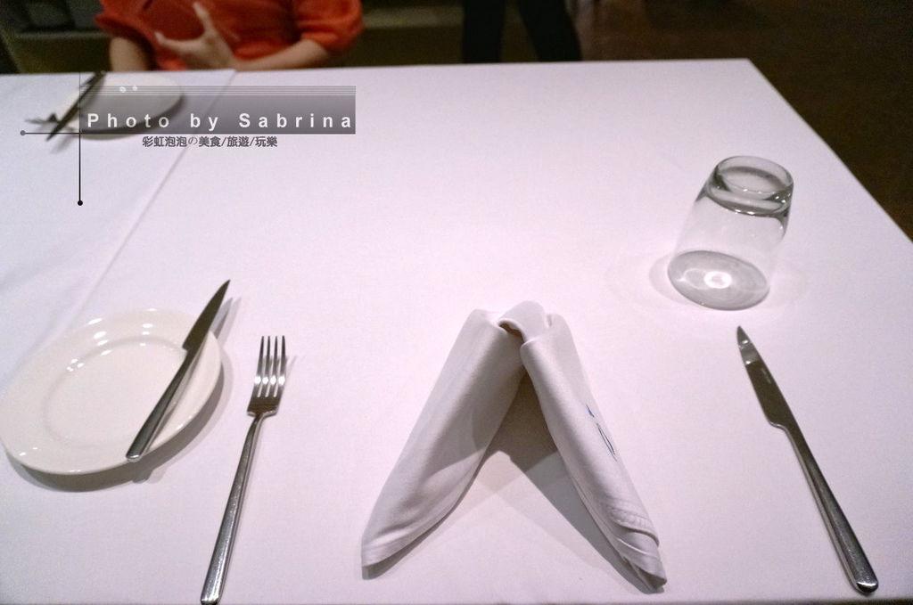 12.餐桌擺設