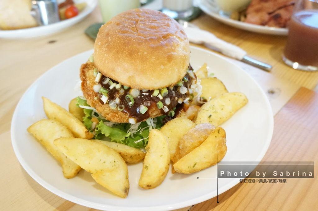 33.田樂學院店-青蔥味噌豬排堡