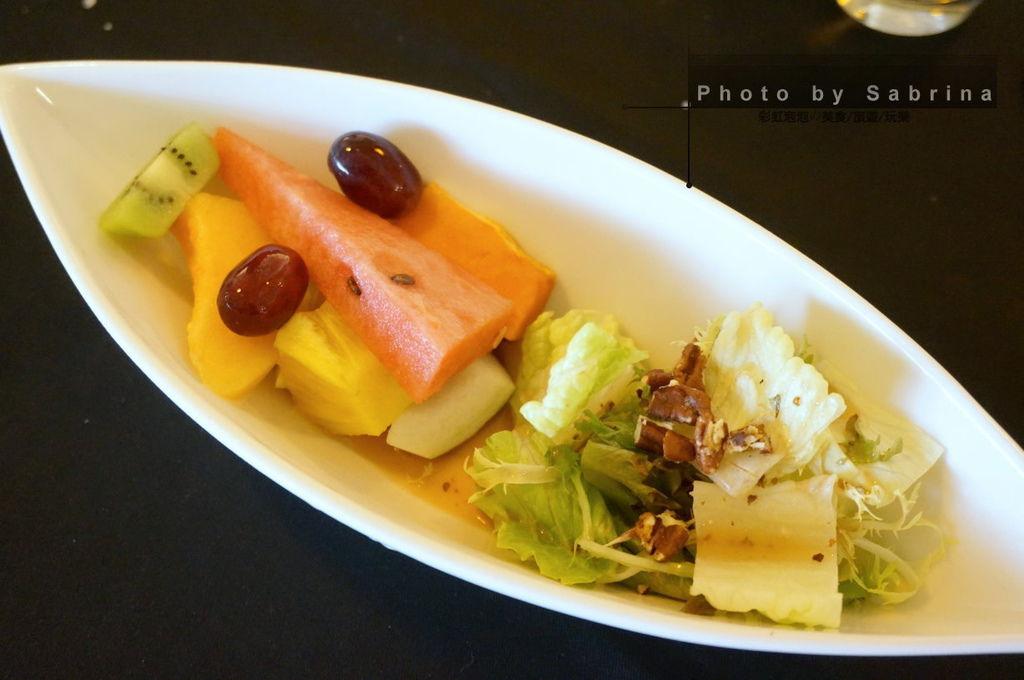 9.萊法小館-綜合水果沙拉佐蜂蜜紅酒醋醬