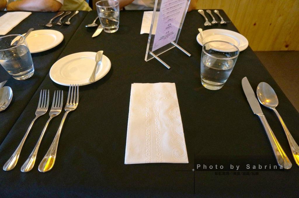 7.餐桌擺設