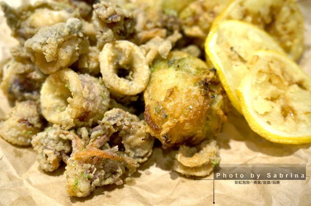 40.K2小蝸牛-炸目豆仔與拿波里炸海味褐藻包特寫