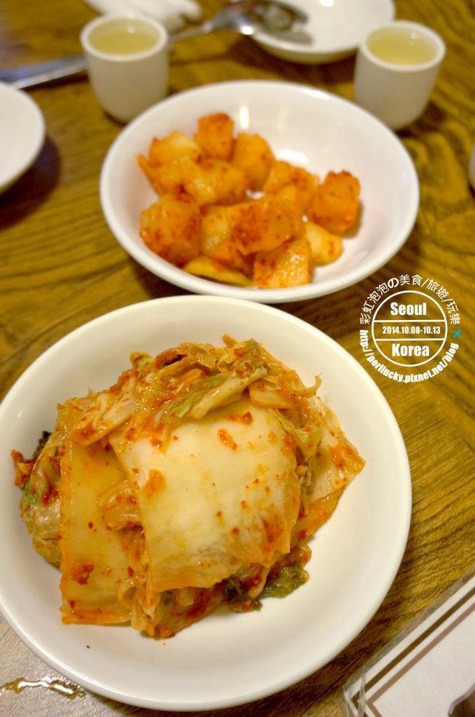 17.土俗村蔘雞湯-泡菜、醃蘿蔔