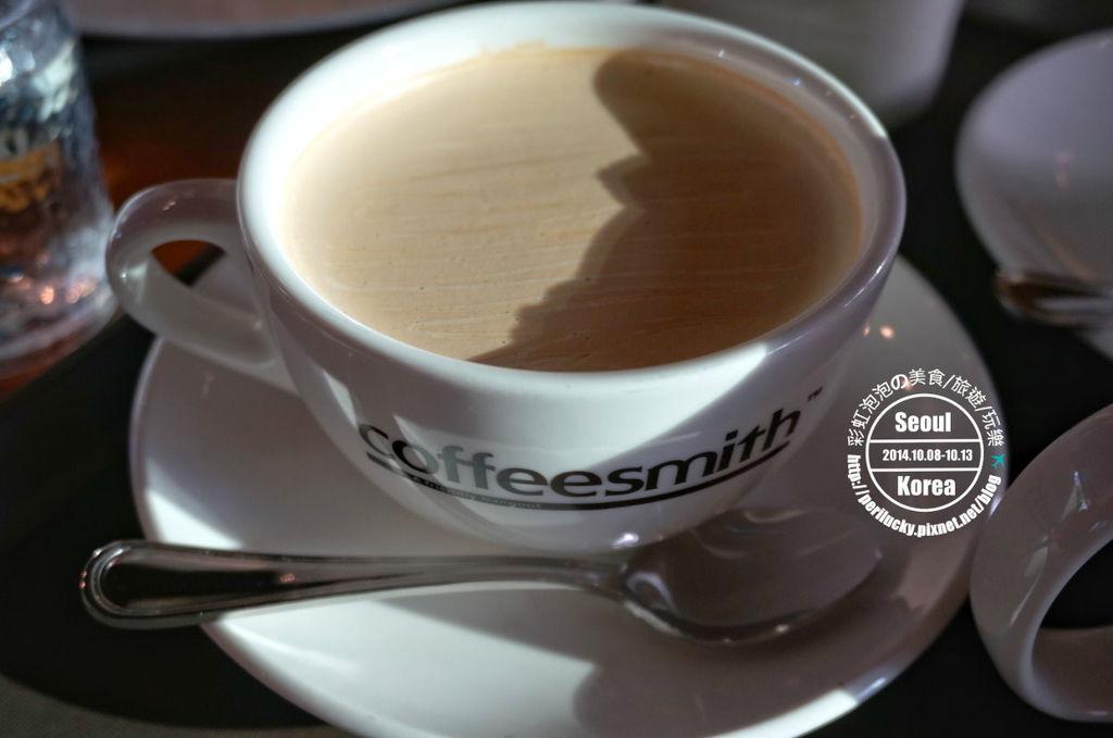 118.coffee smith弘大店-熱焦糖奶茶