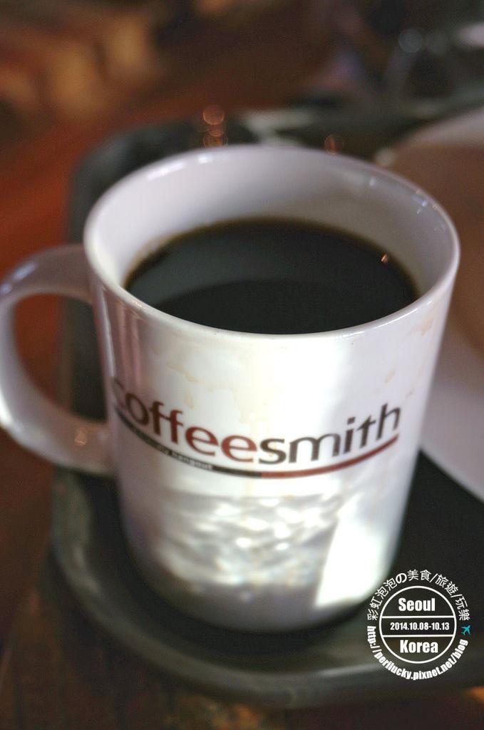 120.coffee smith弘大店-熱美式咖啡