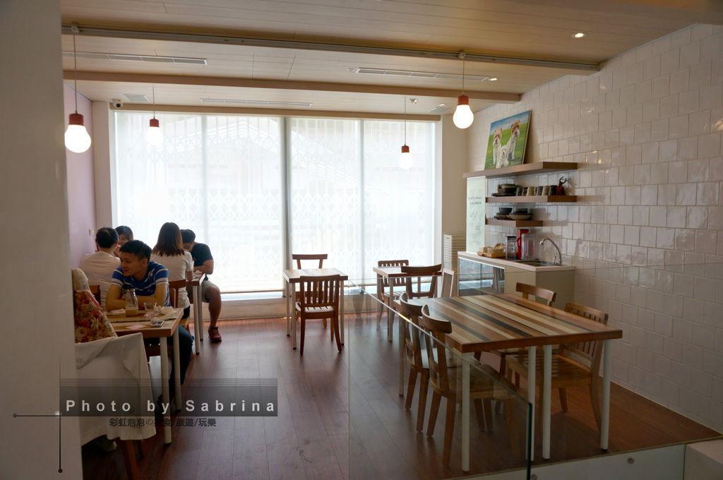 10.小梗甜點咖啡-座位區