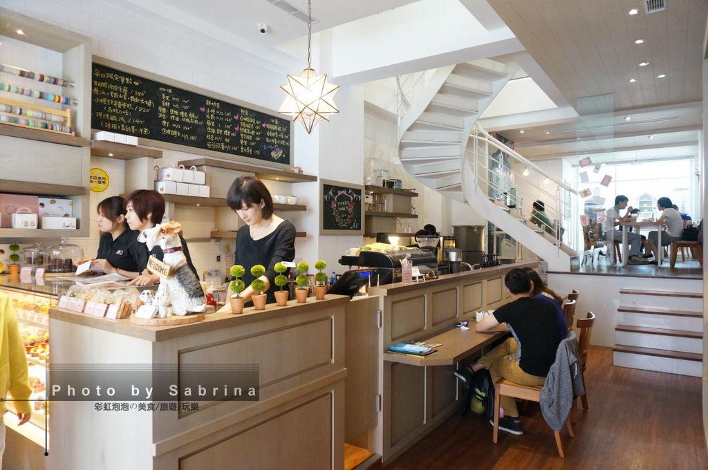 6.小梗甜點咖啡-櫃台