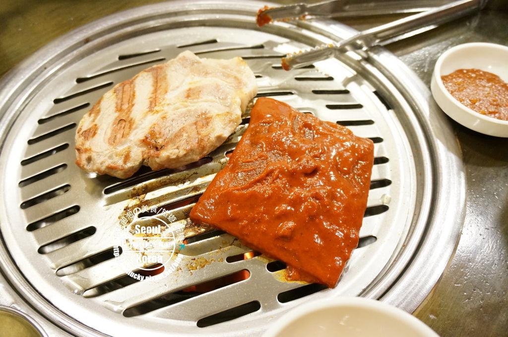 191.新村烤肉-烤豬皮與豬頸肉