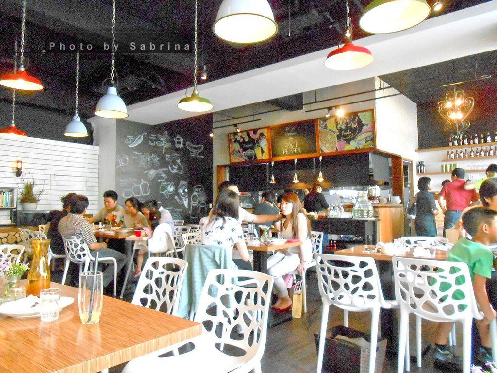 4.鹽與胡椒餐館內部空間