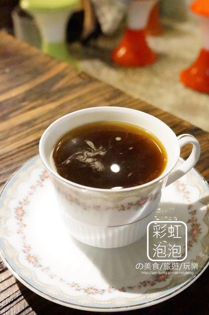 22.吃東西-熱美式咖啡