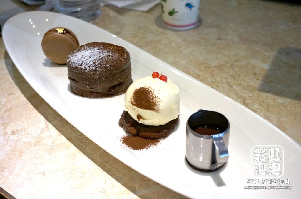 12.CV黑色天使-熱烤生巧克力蛋糕冰淇淋五重奏