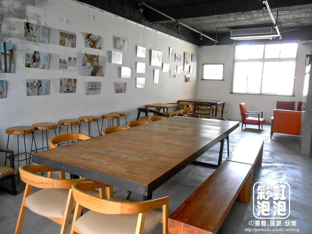 9.Smoker煙燻咖啡-二樓用餐空間