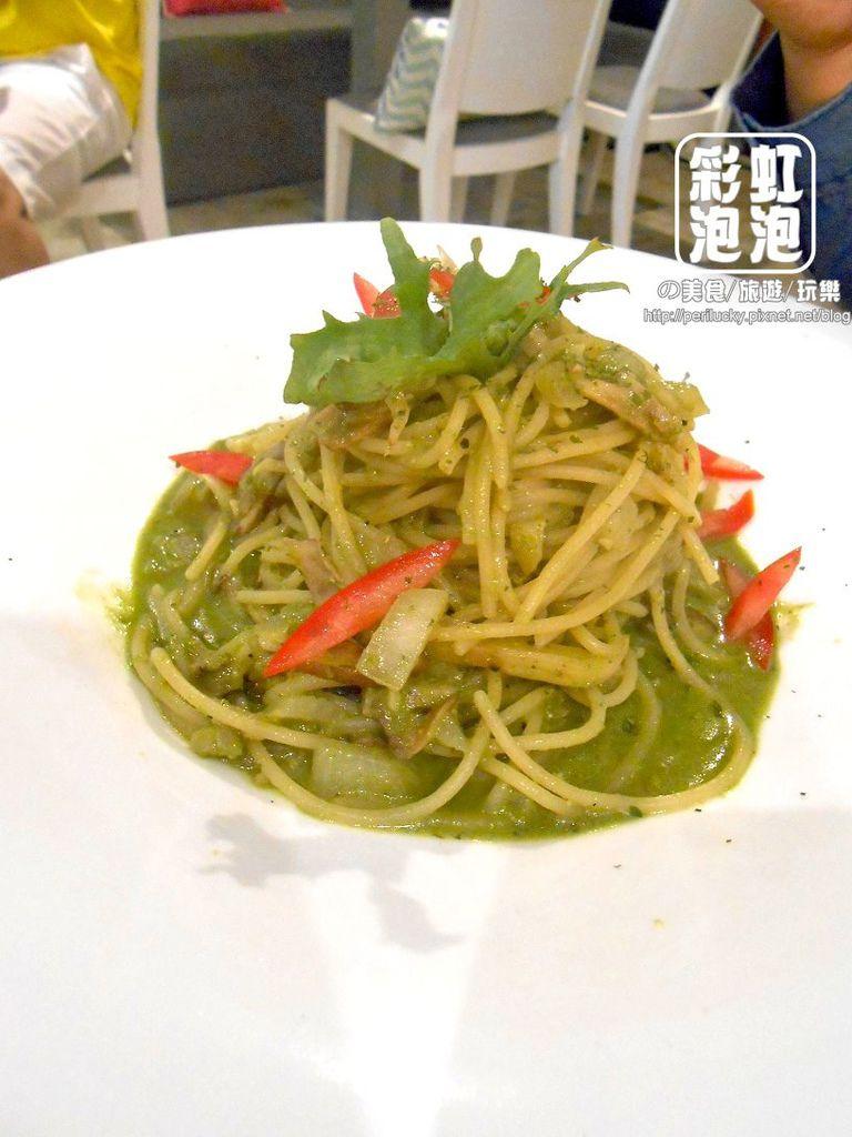 6.覺樂咖啡-三種羅勒野菇義大利麵