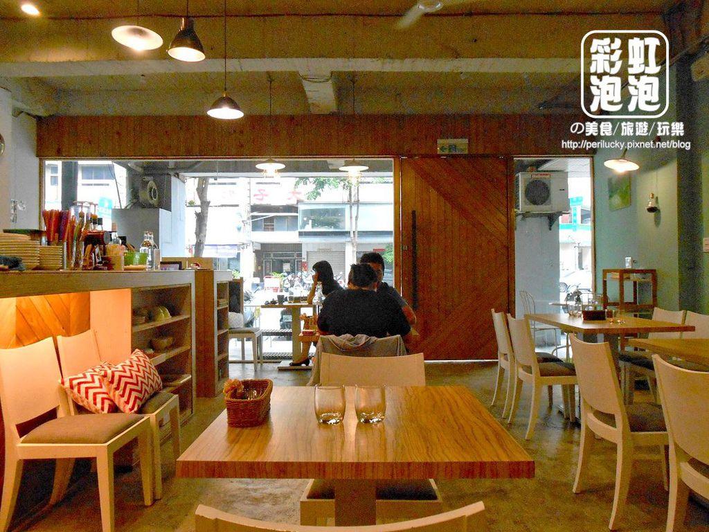 2.覺樂咖啡-內部空間