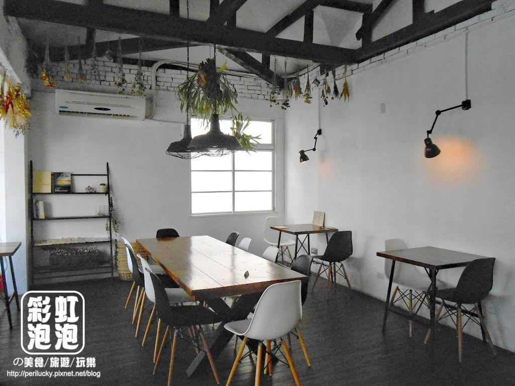 10.斑馬散步咖啡-二樓空間
