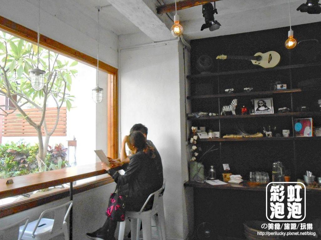 8.斑馬散步咖啡-一樓空間
