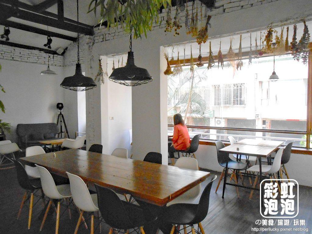 11.斑馬散步咖啡-二樓空間