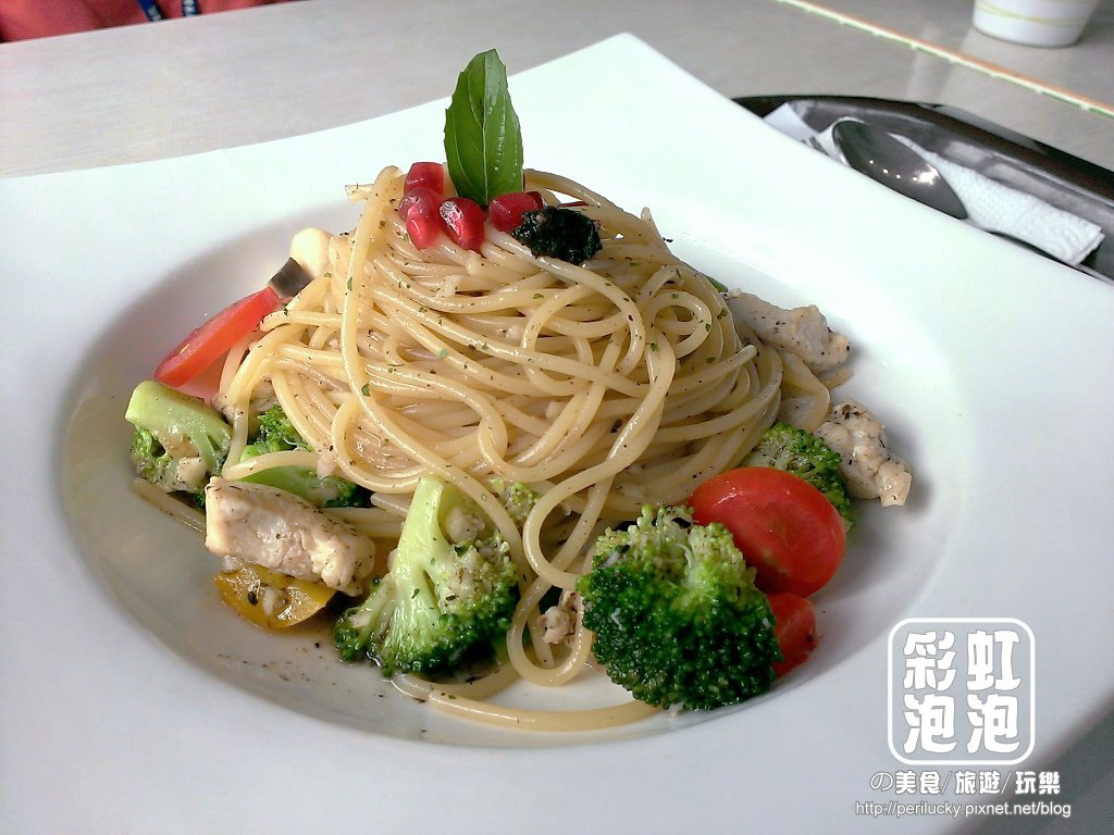 8.麥Mia Pasta 義大利麵坊-清炒松露風味雞肉義大利麵.jpg