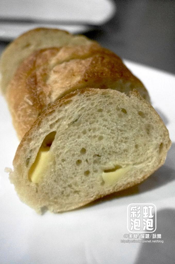 15.偷偷-餐前麵包.jpg