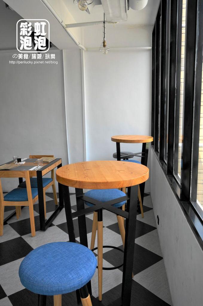 10.P+ house-二樓用餐空間.jpg