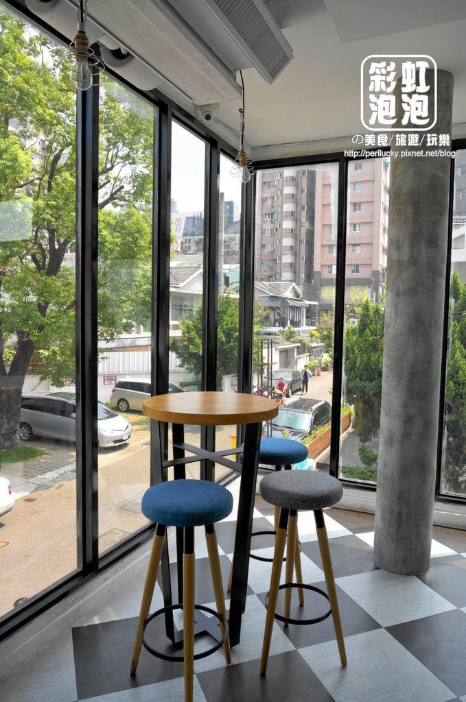 9.P+ house-二樓用餐空間.jpg
