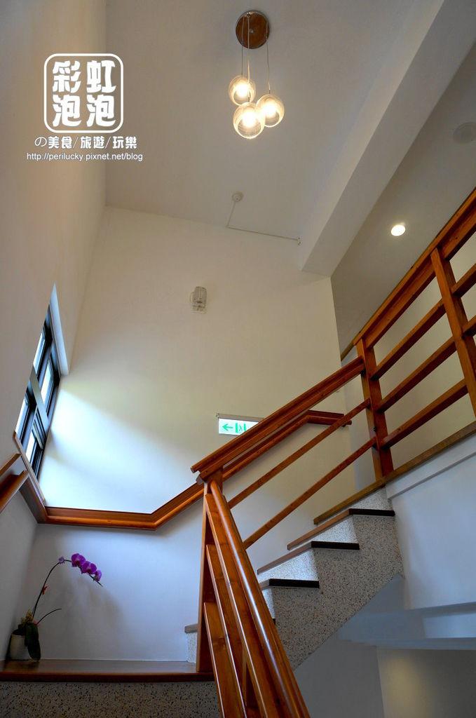 31.荳田町民宿-用心的樓梯間.jpg