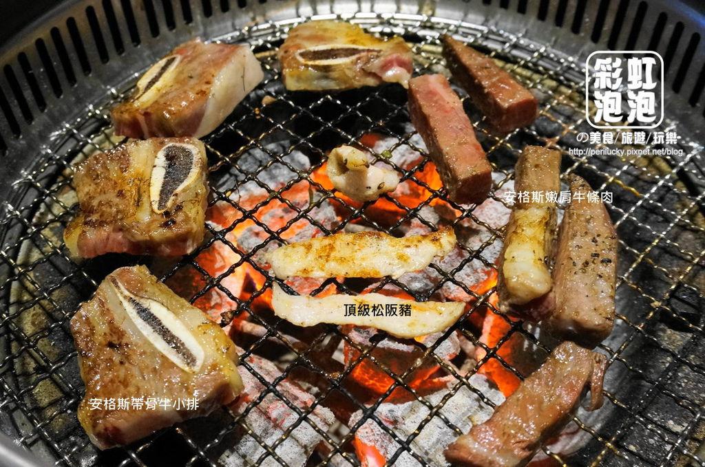 25.熊炭日式炭火燒肉-安格斯帶骨牛小排、安格斯嫩煎牛條肉.JPG