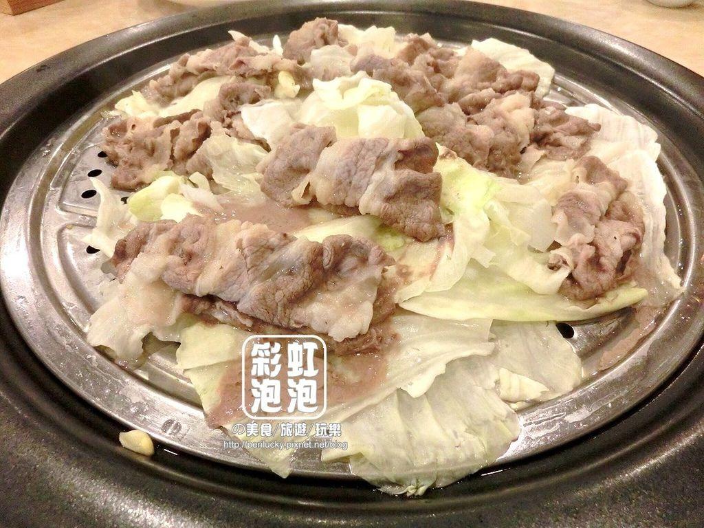 25.鼎陶蒸 蒸汽海鮮鍋物-小肥牛+高麗菜.jpg
