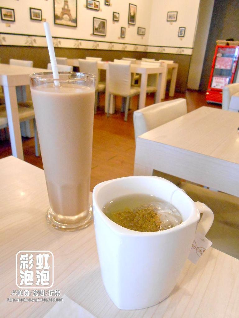 8.小慢慢義大利麵-冰奶茶、熱洋甘菊茶.jpg