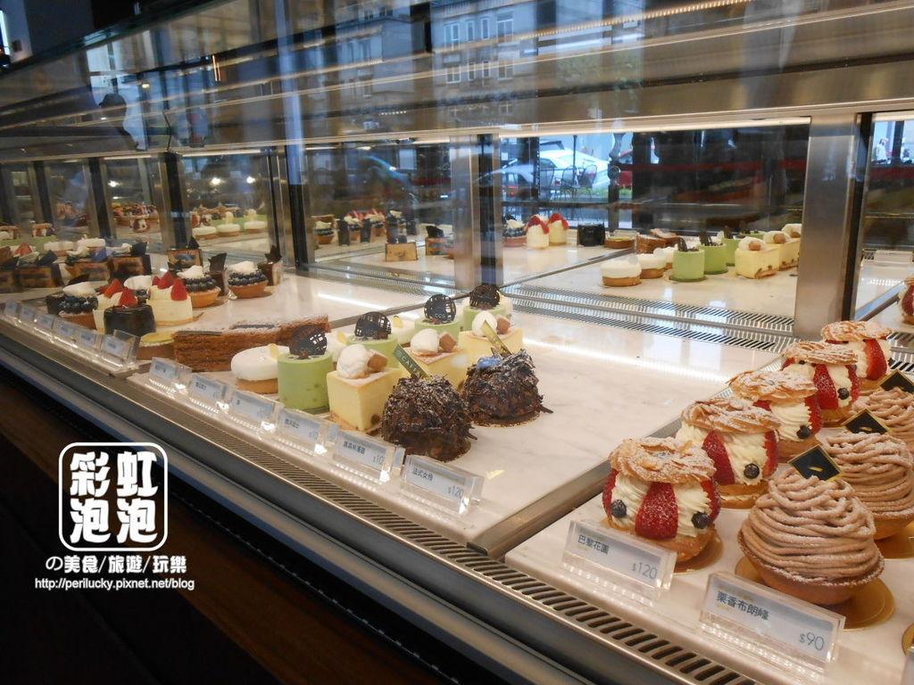 14.卡啡那CAFFAINA-甜點區.jpg