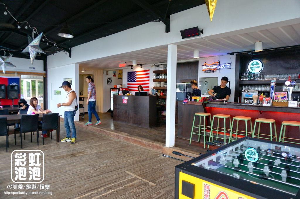 3.紅色倉庫美式餐廳-內部空間.jpg