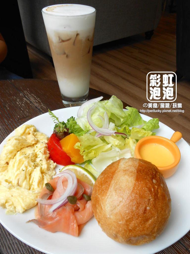 1.想台中-地中海煙燻鮭魚早午餐.jpg