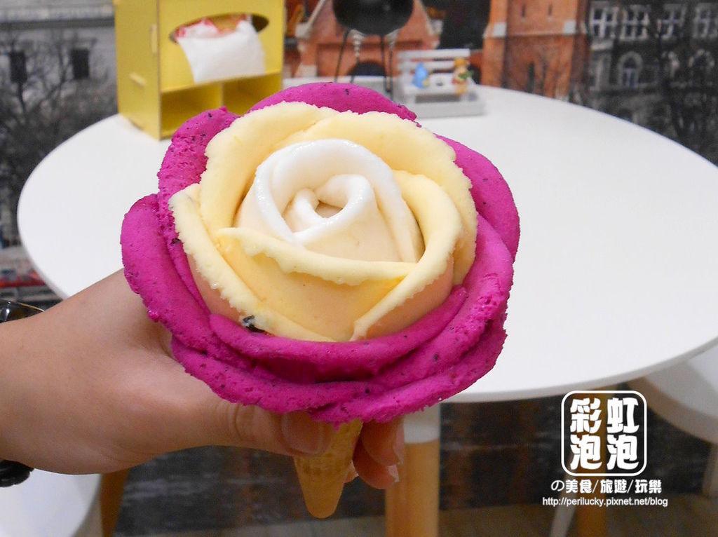 1.布達佩斯冰淇淋專賣店-玫瑰花冰淇淋.jpg