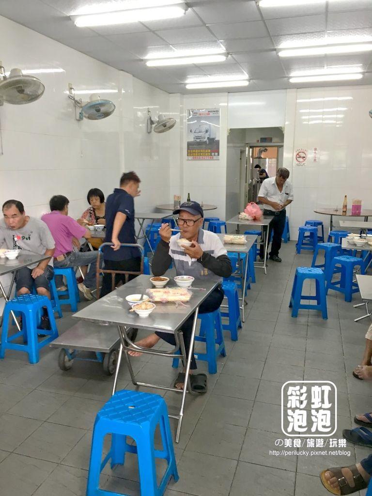 3.魚市場爌肉飯-內部空間.jpeg