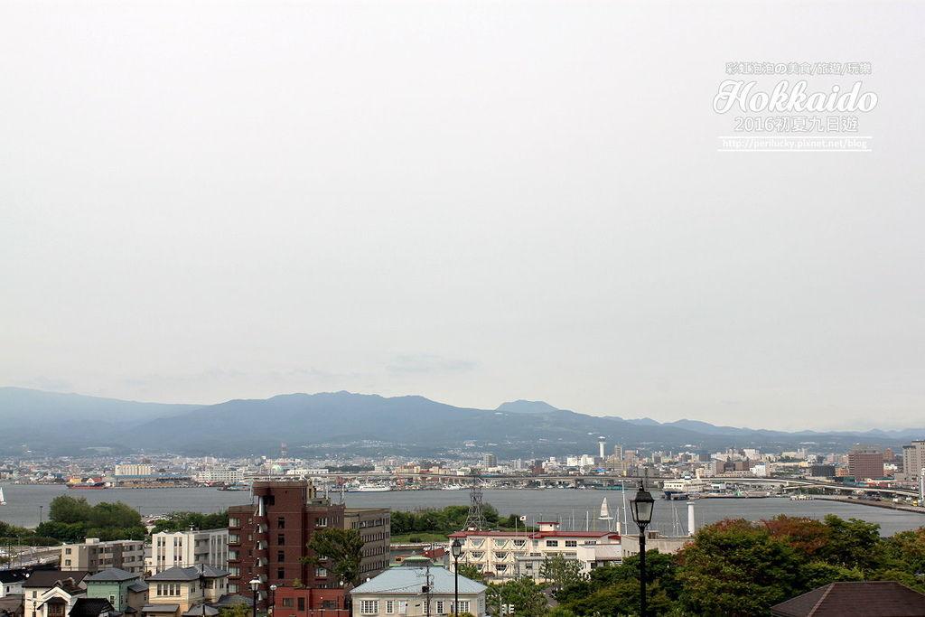 99.函館元町散策-從元町公園遠眺函館港.jpg