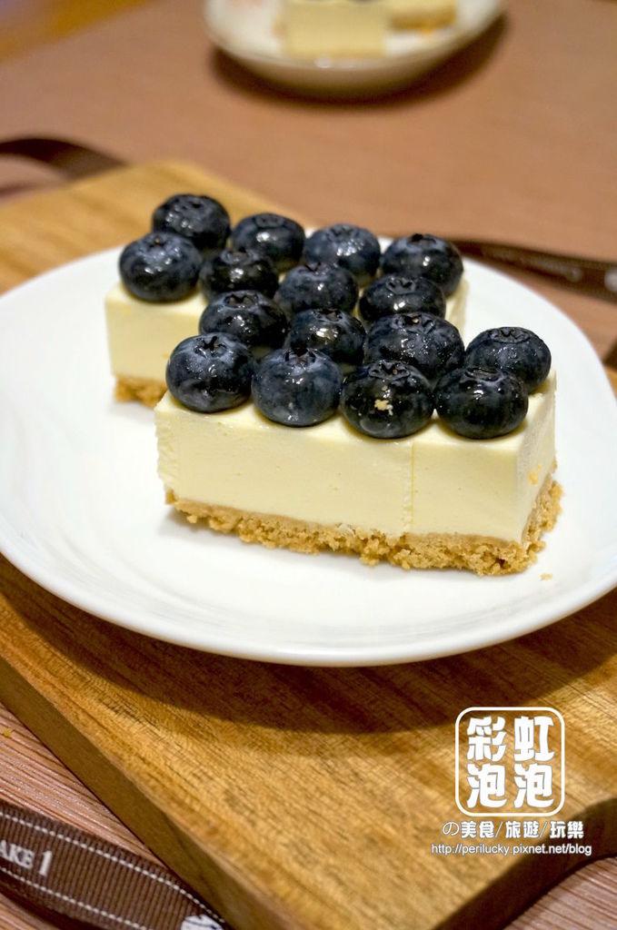 6.CheeseCake1 頂級精品乳酪蛋糕-奢侈 Blue Man.jpg