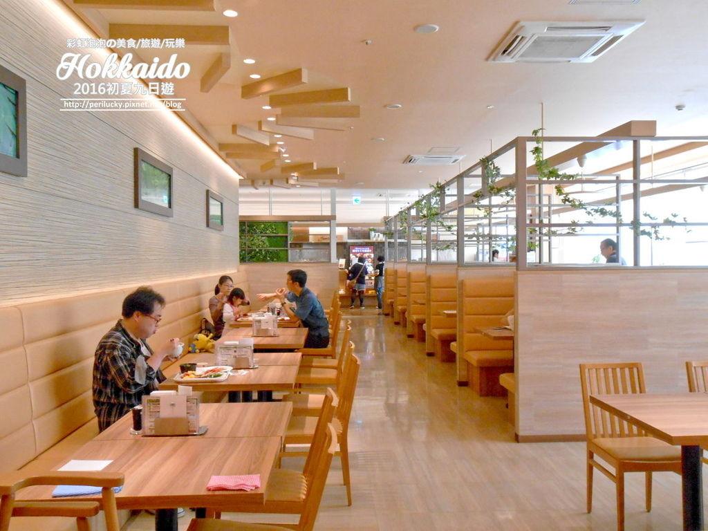 109.旭川 JR inn 自助吧早餐-用餐空間.jpg