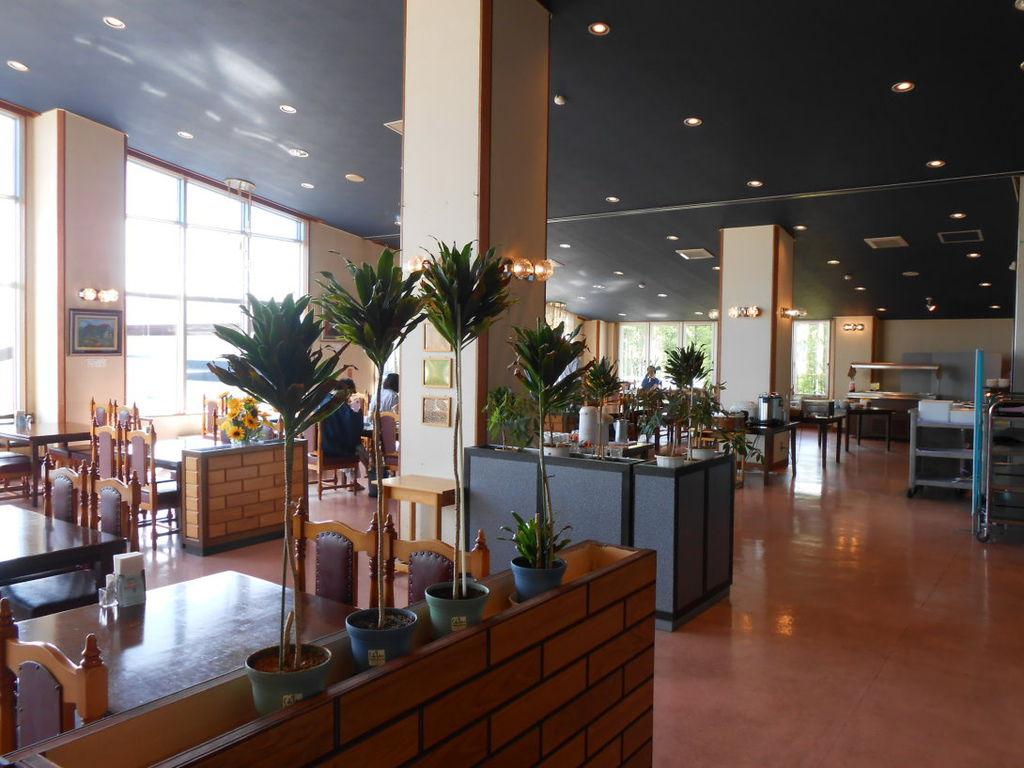 149. 北海道富良野-富良野高地溫泉飯店 Highland Furano-2樓餐廳.jpg