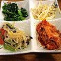 4.東東杯飯-韓式小菜.jpg