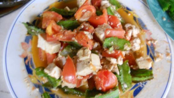 意豆炒番茄豆腐