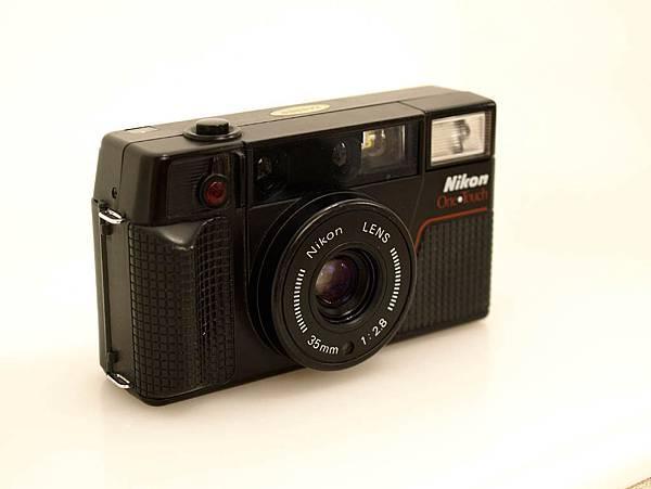 Nikon L35 AF-2 One Touch_01.JPG