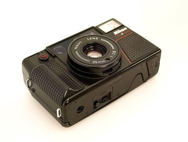 Nikon L35 AF-2 One Touch_04.JPG
