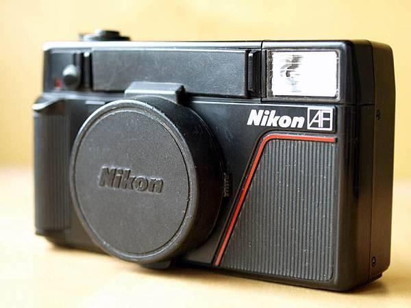 Nikon L35AF with lense cap