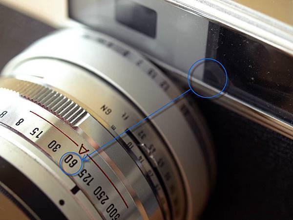 Minolta H-Matic 11_shutter-window.jpg