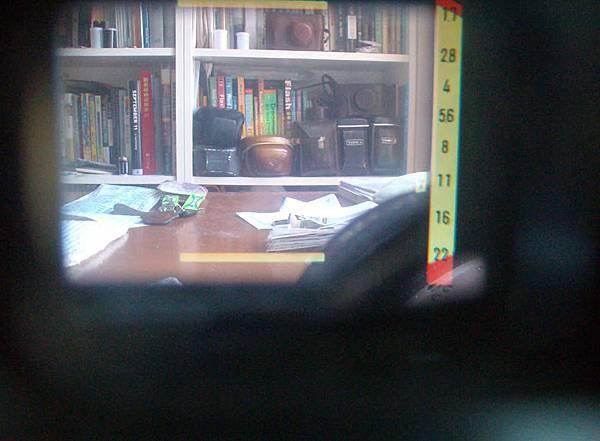 Minolta Hi-Matic 11 viewfinder w speed.jpg