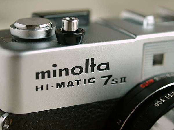Minolta Hi-Matic 7s II_01.jpg