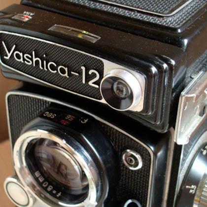 Yashica-12_small.jpg