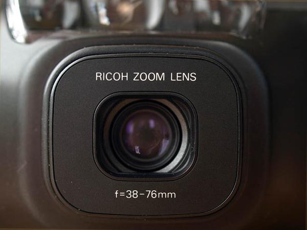 38mm 至 76mm 的變焦鏡頭