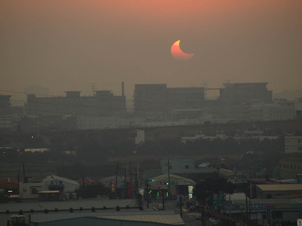 solar eclipse on Jan-2010_08.JPG