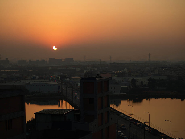 solar eclipse on Jan-2010_12.JPG