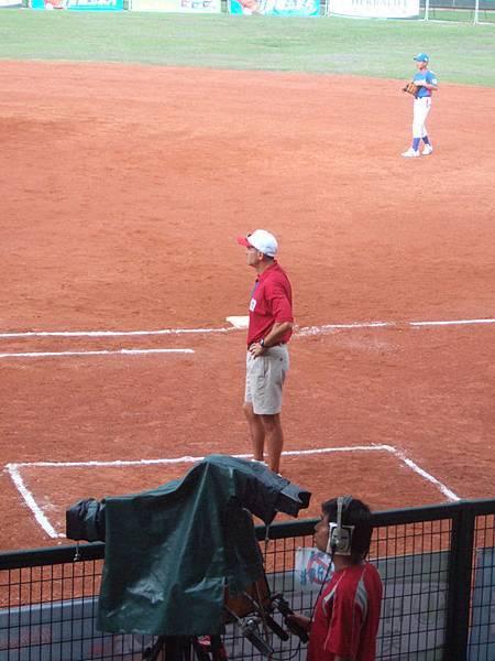 新加坡隊的教練